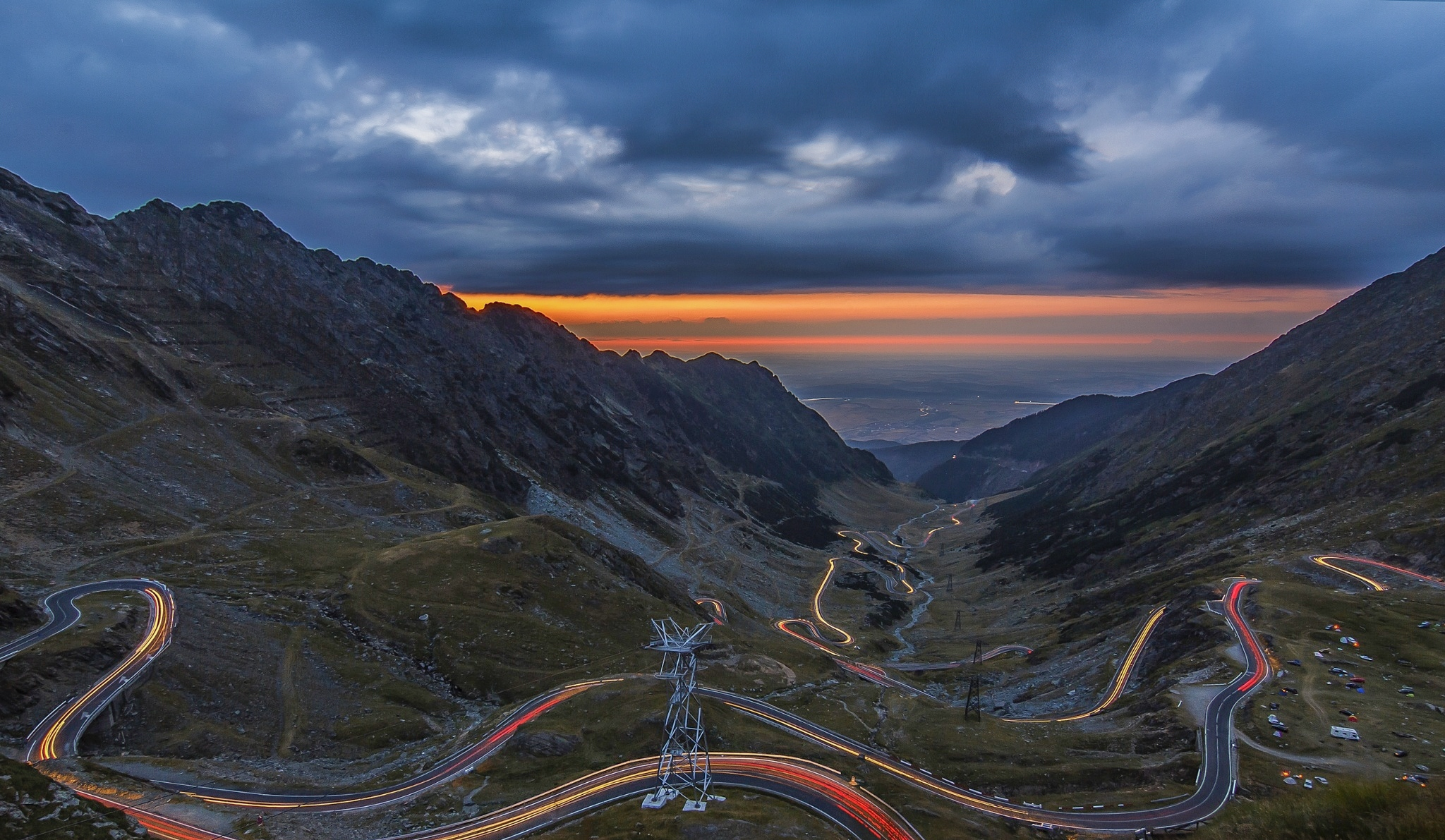 Transfagarasan-at-sunset